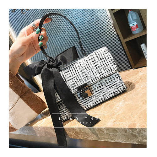 Bag/Top Handle/Fabric - White/Black